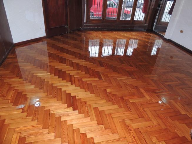 Plastificado de pisos de madera pulido libre de for Pisos de bar madera