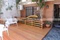 deck y cerca de madera