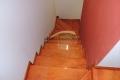 escalera de madera plastificada