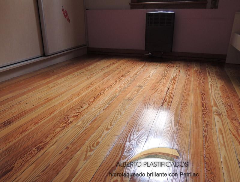 Piso pinotea pinotea plastificado colocacion pinotea for Que es la veta de la madera