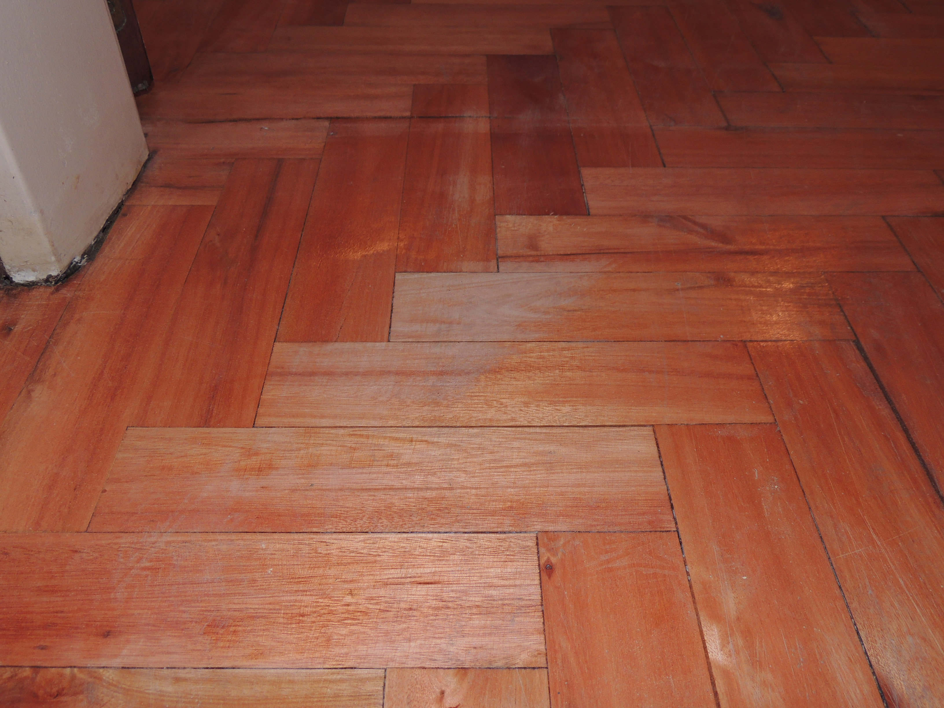 Los profesionales hacen la diferenciaalberplast pulido y - Rellenar juntas piso madera ...