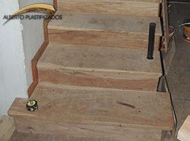 escalones de madera anchico