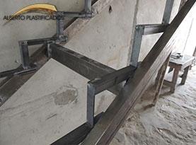 escalera de metal para revestir