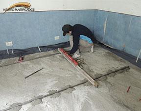 carpteta para colocar piso de madera